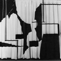 Draperi till privathem, 1959. Applikation i gult, brunt, turkos och vitt. Mått: 230x590 cm