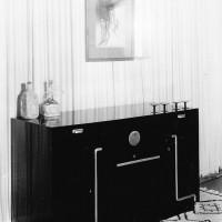Barskåp, svartlackerat, 1930. Foto Harald Lönnqvist